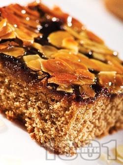 Бадемов кейк с карамел и шоколад - снимка на рецептата